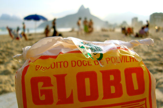 """Beach Culture in Rio de Janeiro: """"Olha o Globo!"""" – A Story of Brothers, Biscuits, and Beaches"""