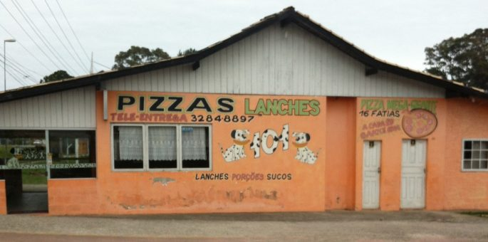 Lanche = Lunch = Almoço ? Nope!